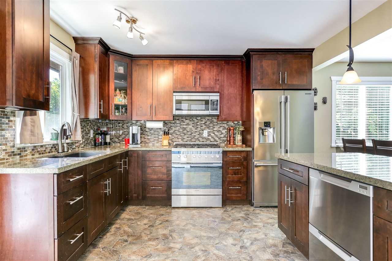 Photo 8: Photos: 11002 HAZELWOOD Street in Maple Ridge: Southwest Maple Ridge House for sale : MLS®# R2281905