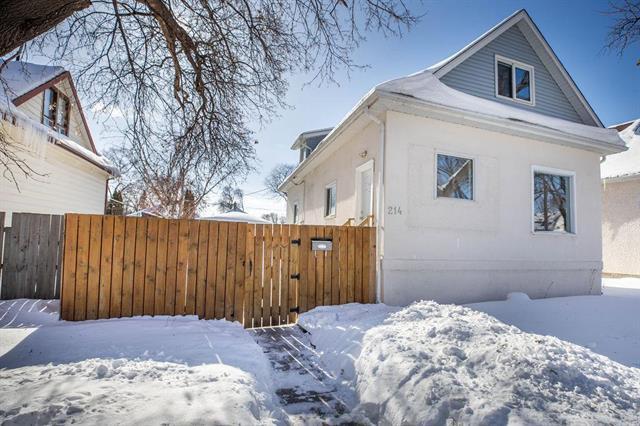 Main Photo: 214 Rosseau Avenue in Winnipeg: West Transcona Residential for sale (3L)  : MLS®# 1904366