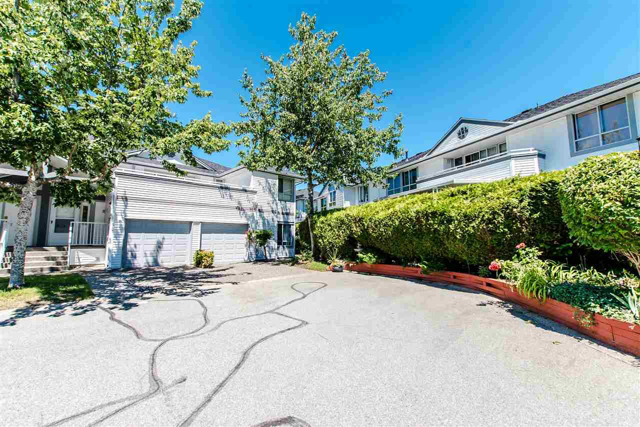 "Main Photo: 117 13895 102 Avenue in Surrey: Whalley Townhouse for sale in ""Wyndham Estates"" (North Surrey)  : MLS®# R2363833"