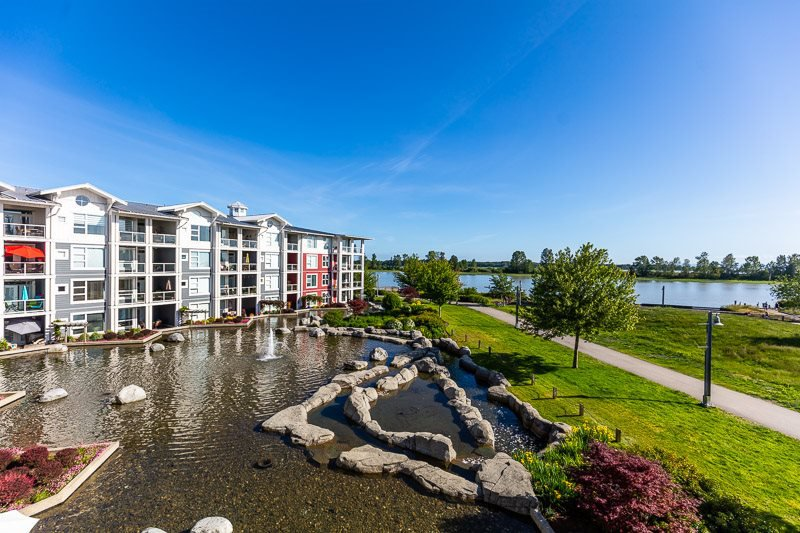Main Photo: 305 4500 WESTWATER Drive in Richmond: Steveston South Condo for sale : MLS®# R2375581