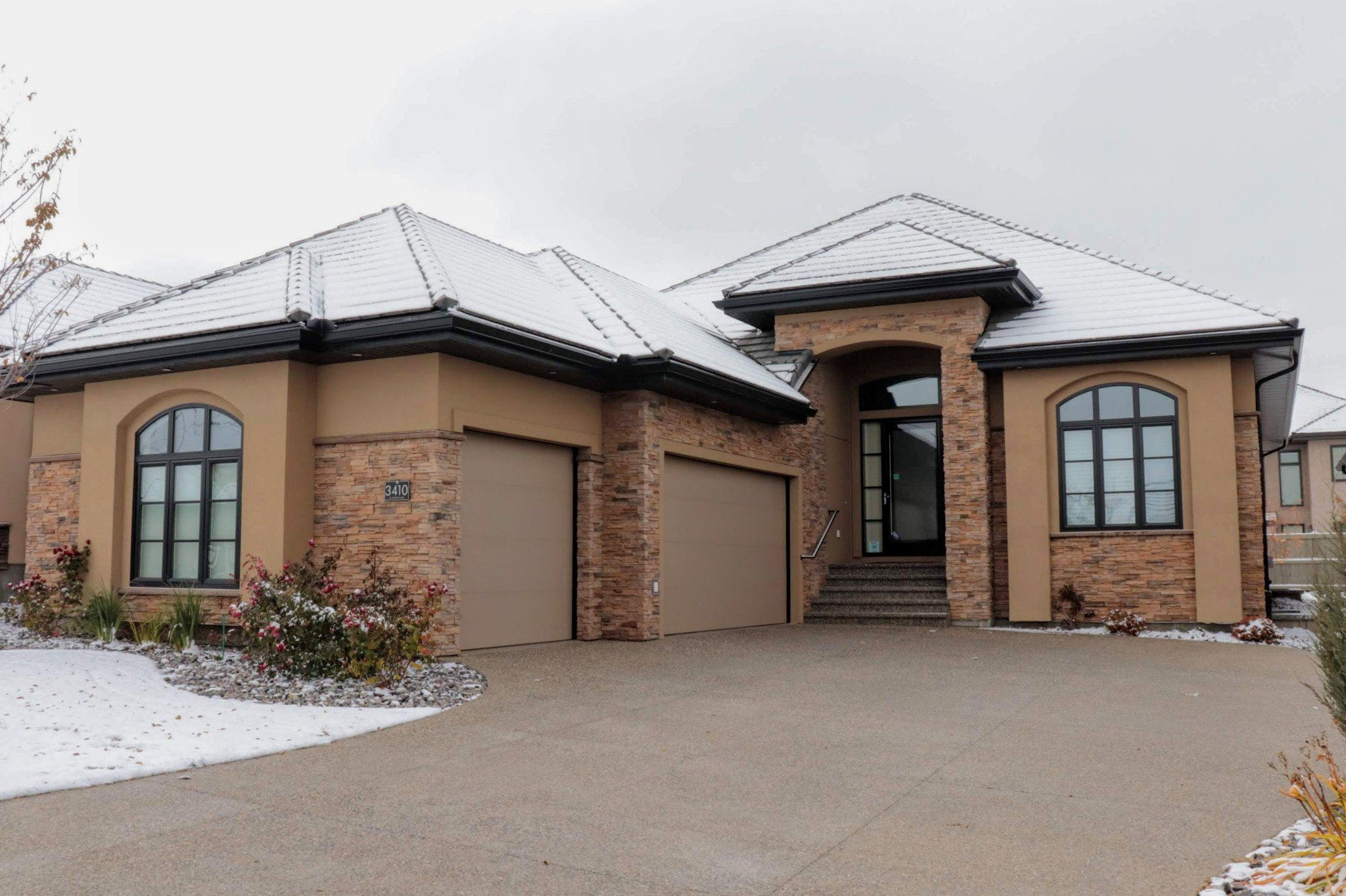Main Photo: 3410 Watson Place SW in Edmonton: Windermere House Half Duplex for sale : MLS®# E4124264