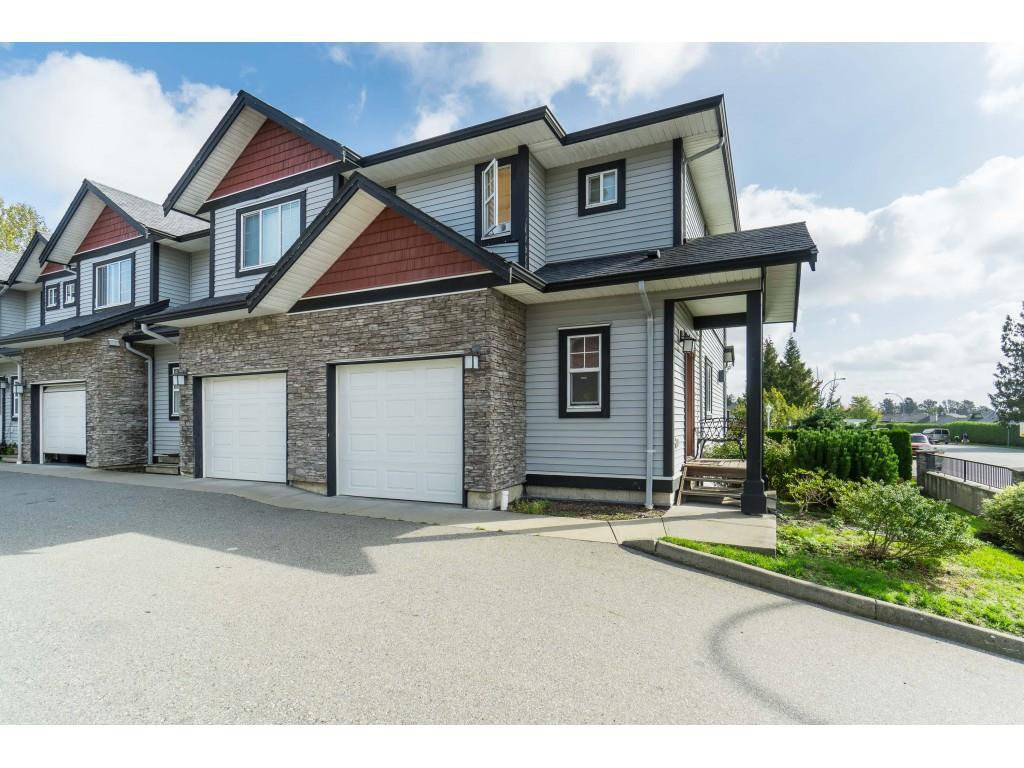 Main Photo: 27 31235 UPPER MACLURE Road in Abbotsford: Abbotsford West Townhouse for sale : MLS®# R2408483