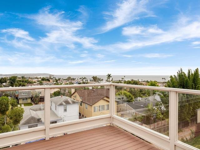 Main Photo: LA JOLLA House for sale : 3 bedrooms : 883 Candlelight Place