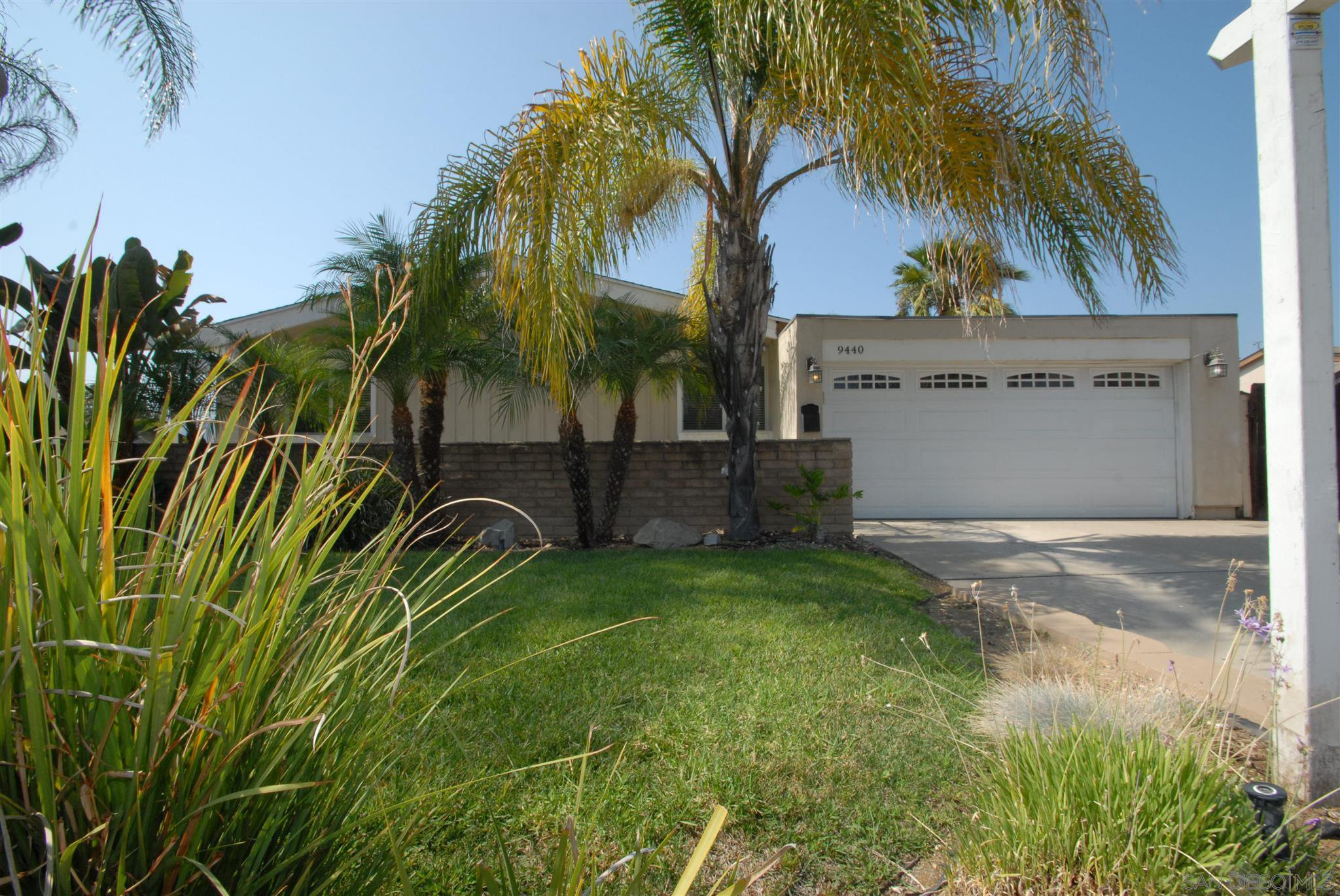 Main Photo: SANTEE House for sale : 3 bedrooms : 9440 Dempster Dr