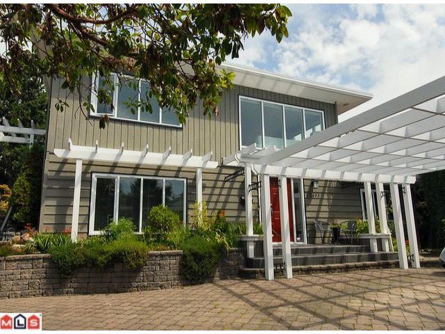 Main Photo: 15493 ROYAL Avenue: White Rock House for sale (South Surrey White Rock)  : MLS®# F1219553
