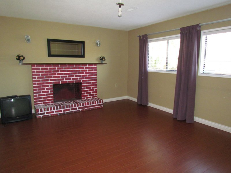 Main Photo: BSMT 3315 DENMAN ST in ABBOTSFORD: Abbotsford West Condo for rent (Abbotsford)