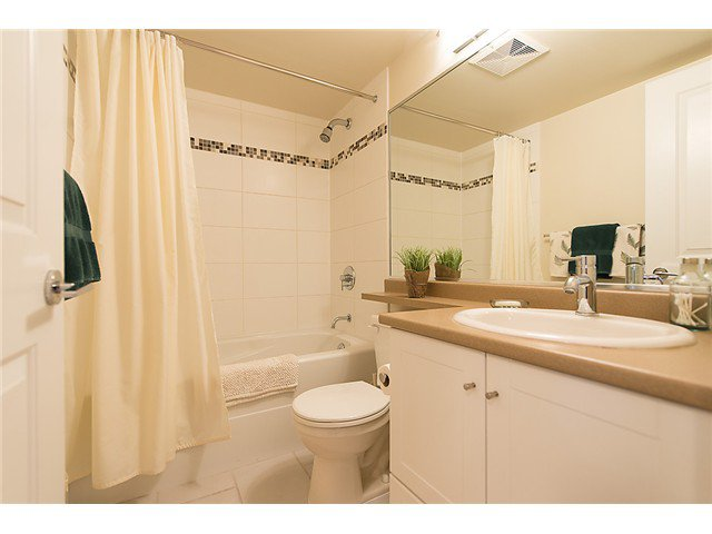 "Photo 15: Photos: 401 814 ROYAL Avenue in New Westminster: Downtown NW Condo for sale in ""NEWS NORTH"" : MLS®# V1036016"