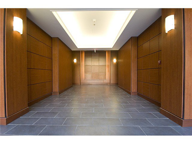 "Photo 19: Photos: 401 814 ROYAL Avenue in New Westminster: Downtown NW Condo for sale in ""NEWS NORTH"" : MLS®# V1036016"