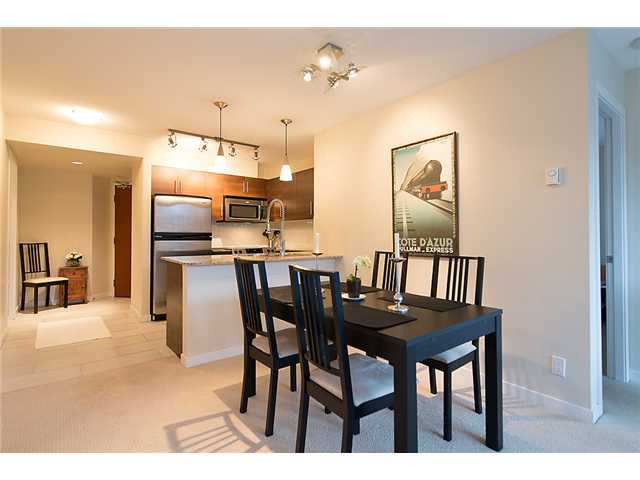 "Photo 4: Photos: 401 814 ROYAL Avenue in New Westminster: Downtown NW Condo for sale in ""NEWS NORTH"" : MLS®# V1036016"