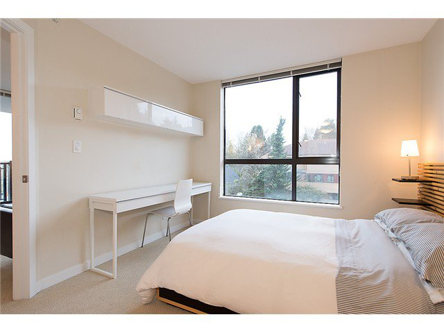 "Photo 11: Photos: 401 814 ROYAL Avenue in New Westminster: Downtown NW Condo for sale in ""NEWS NORTH"" : MLS®# V1036016"