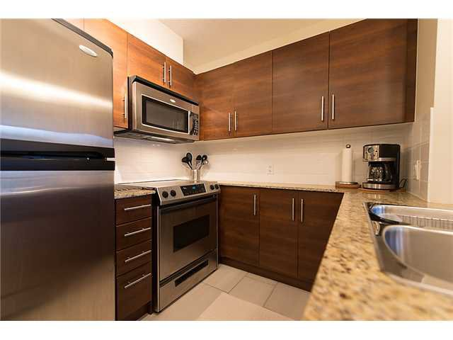 "Photo 2: Photos: 401 814 ROYAL Avenue in New Westminster: Downtown NW Condo for sale in ""NEWS NORTH"" : MLS®# V1036016"