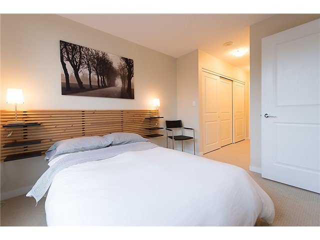 "Photo 10: Photos: 401 814 ROYAL Avenue in New Westminster: Downtown NW Condo for sale in ""NEWS NORTH"" : MLS®# V1036016"