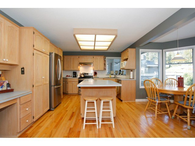"""Photo 7: Photos: 19645 46TH Avenue in Langley: Langley City House for sale in """"MASON HEIGHTS"""" : MLS®# F1431602"""