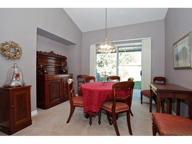 """Photo 5: Photos: 19645 46TH Avenue in Langley: Langley City House for sale in """"MASON HEIGHTS"""" : MLS®# F1431602"""