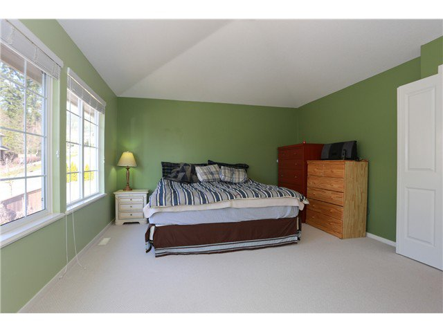 """Photo 10: Photos: 17 ALDER Drive in Port Moody: Heritage Woods PM House for sale in """"FOREST EDGE"""" : MLS®# V1108863"""