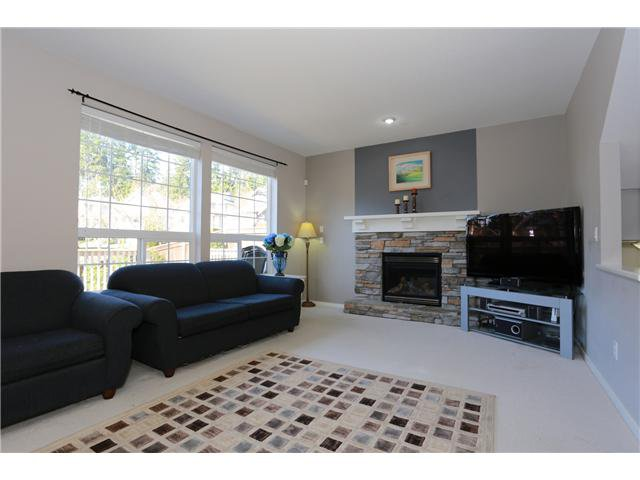 """Photo 4: Photos: 17 ALDER Drive in Port Moody: Heritage Woods PM House for sale in """"FOREST EDGE"""" : MLS®# V1108863"""