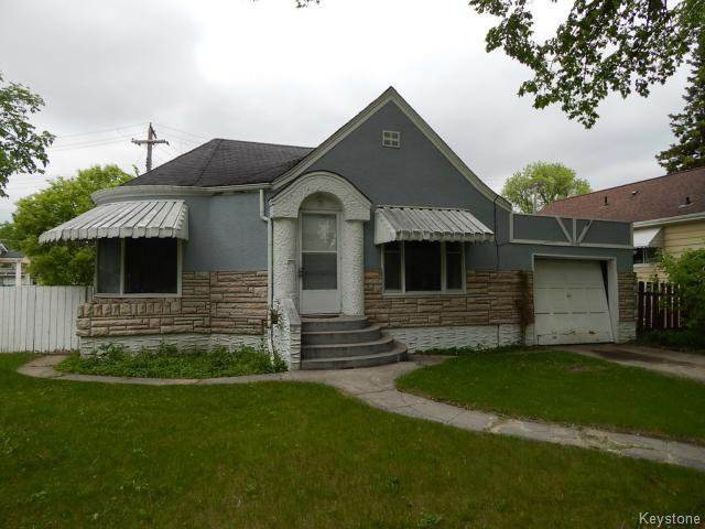 Main Photo: 1049 Manahan Avenue in WINNIPEG: Manitoba Other Residential for sale : MLS®# 1514525