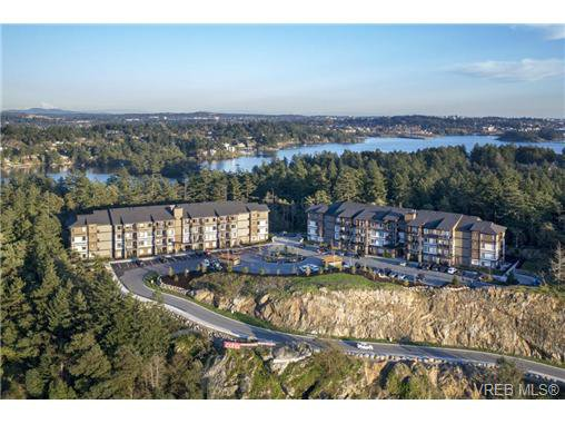 Main Photo: 401 290 Wilfert Rd in VICTORIA: VR Six Mile Condo for sale (View Royal)  : MLS®# 717203