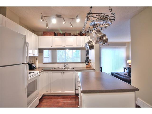 Photo 12: Photos: 79 EVERSYDE Point(e) SW in Calgary: Evergreen House for sale : MLS®# C4058622