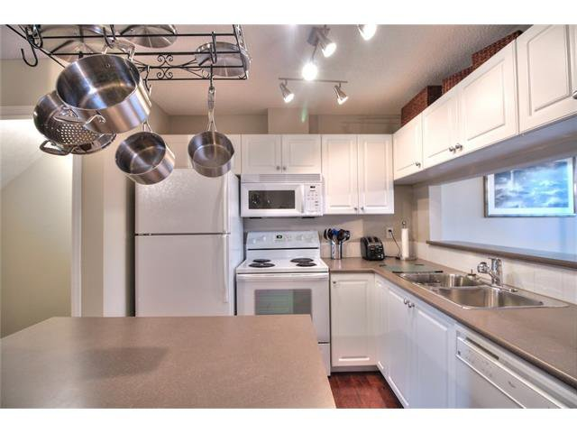 Photo 10: Photos: 79 EVERSYDE Point(e) SW in Calgary: Evergreen House for sale : MLS®# C4058622