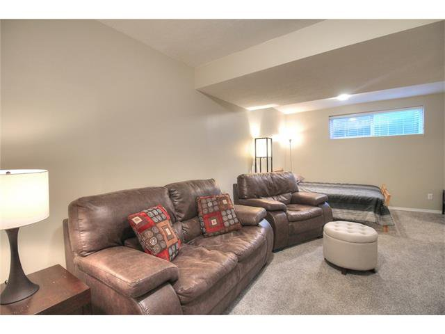 Photo 25: Photos: 79 EVERSYDE Point(e) SW in Calgary: Evergreen House for sale : MLS®# C4058622
