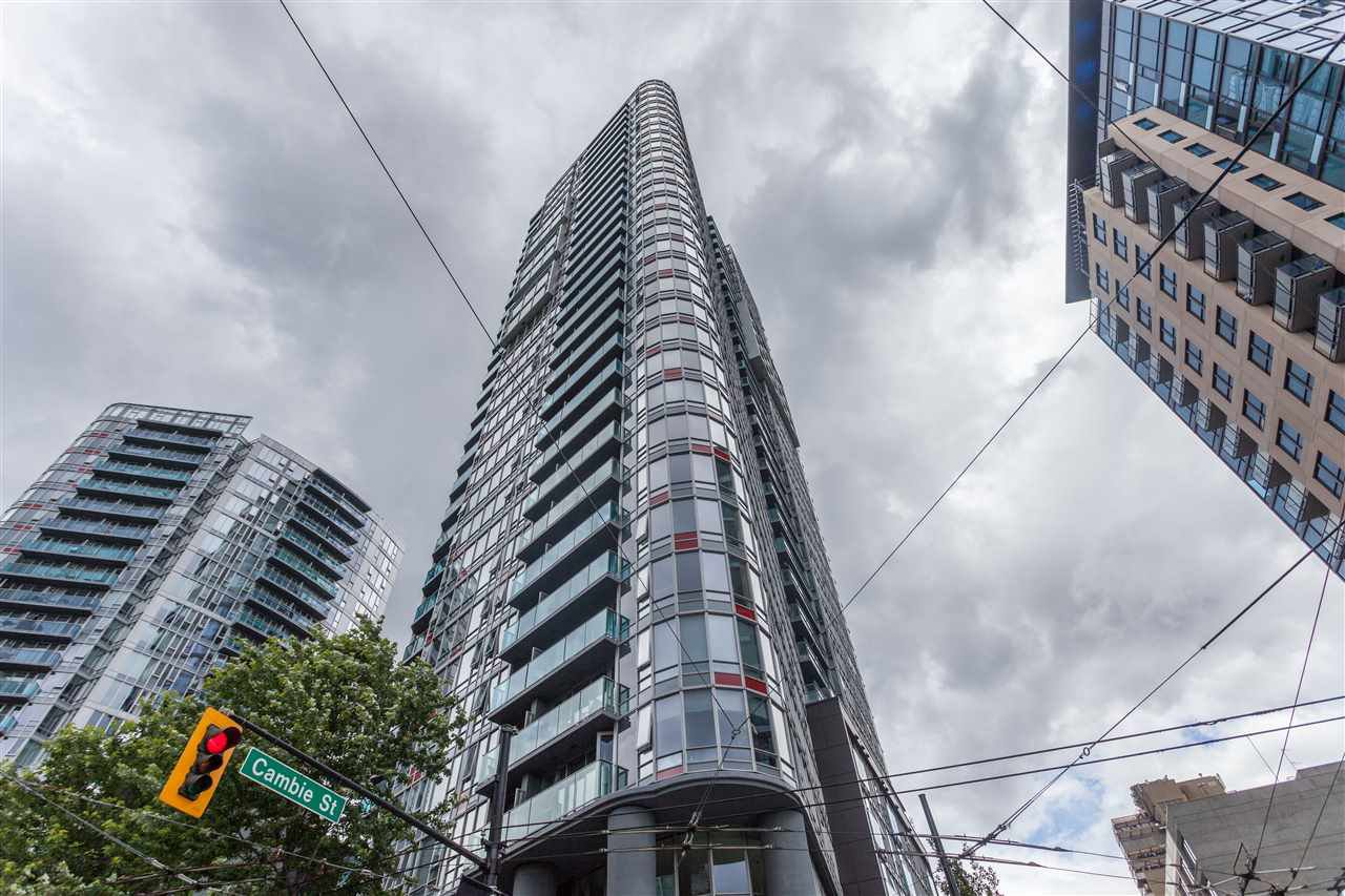 "Main Photo: 809 233 ROBSON Street in Vancouver: Downtown VW Condo for sale in ""TV TOWER II"" (Vancouver West)  : MLS®# 2081176"