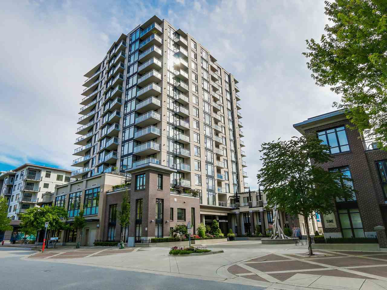 """Main Photo: 808 155 W 1ST Street in North Vancouver: Lower Lonsdale Condo for sale in """"TIME"""" : MLS®# R2094578"""