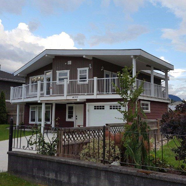 Main Photo: 40371 GARIBALDI Way in Squamish: Garibaldi Estates House for sale : MLS®# R2133066