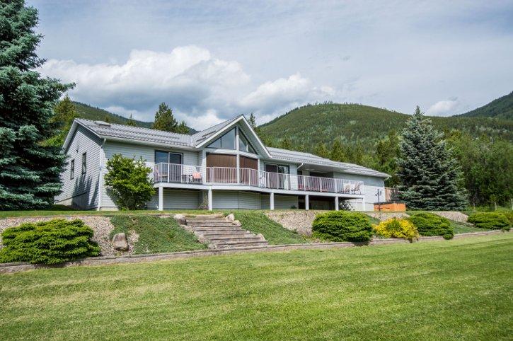 Main Photo: 3401 Northwest 60 Street in Salmon Arm: Gleneden House for sale (NW Salmon Arm)  : MLS®# 10135947