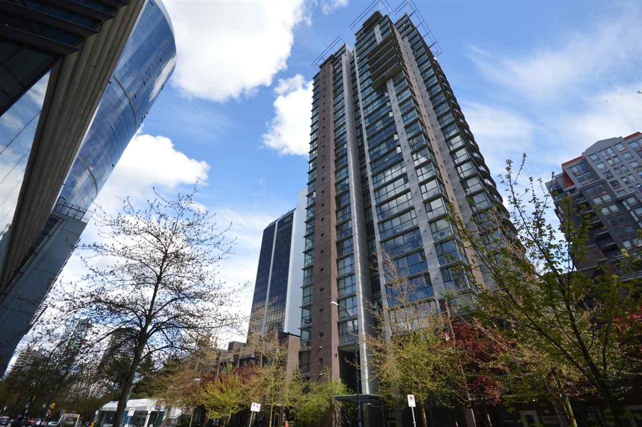 "Main Photo: 1007 1068 HORNBY Street in Vancouver: Downtown VW Condo for sale in ""THE CANADIAN"" (Vancouver West)  : MLS®# R2174736"