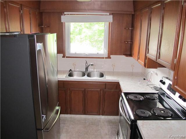 Photo 9: Photos:  in Winnipeg: East Kildonan Residential for sale (3D)  : MLS®# 1715827