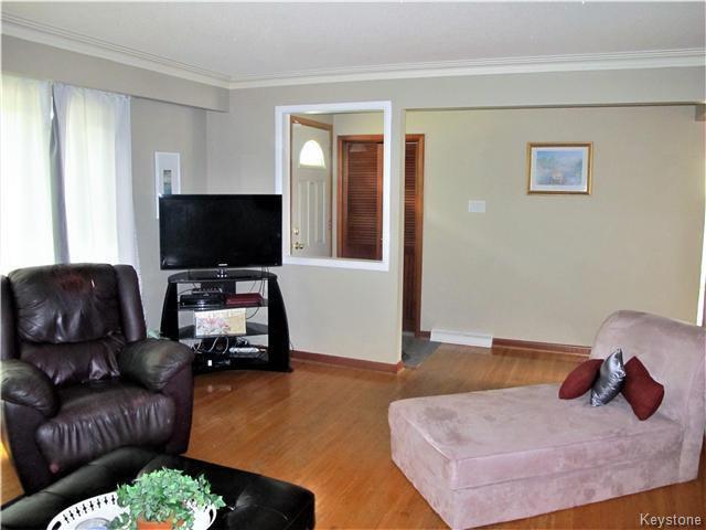 Photo 6: Photos:  in Winnipeg: East Kildonan Residential for sale (3D)  : MLS®# 1715827