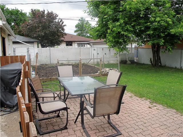 Photo 4: Photos:  in Winnipeg: East Kildonan Residential for sale (3D)  : MLS®# 1715827