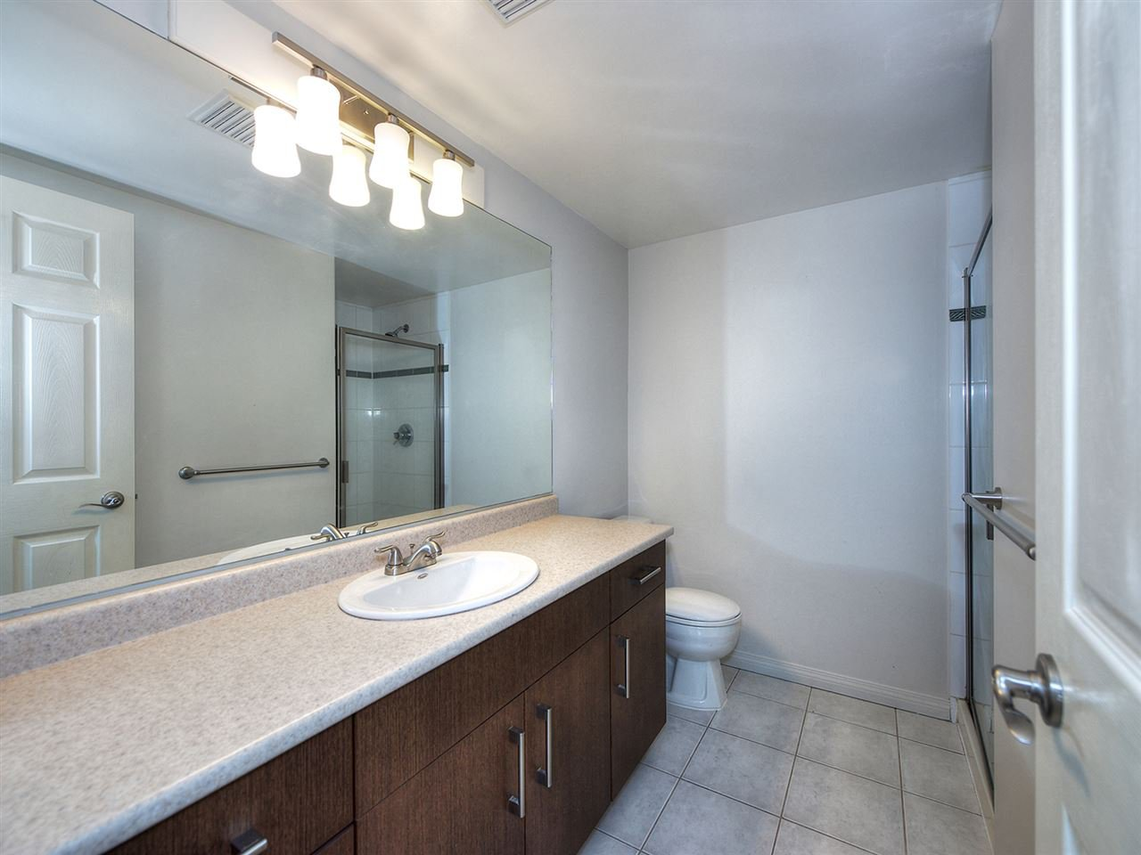 Photo 12: Photos: 203 4768 53 STREET in Delta: Delta Manor Condo for sale (Ladner)  : MLS®# R2202745