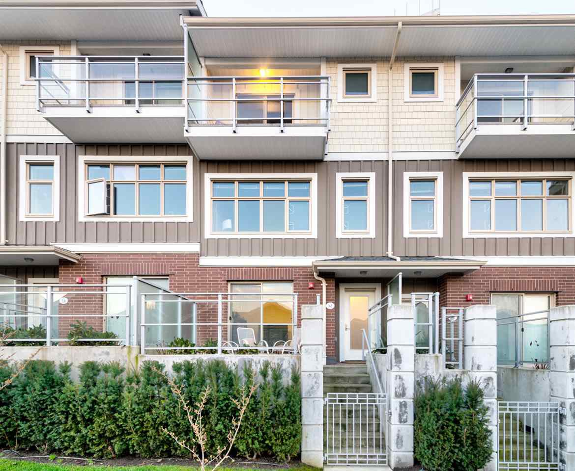 "Main Photo: TH17 271 FRANCIS Way in New Westminster: Fraserview NW Townhouse for sale in ""PENITENTIARY SITE"" : MLS®# R2227273"