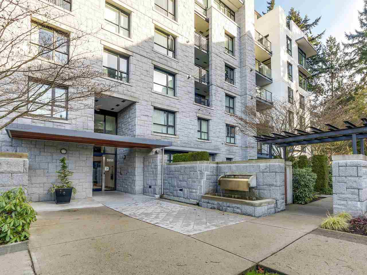 """Main Photo: 302 5958 IONA Drive in Vancouver: University VW Condo for sale in """"ARGYLL HOUSE EAST"""" (Vancouver West)  : MLS®# R2234728"""