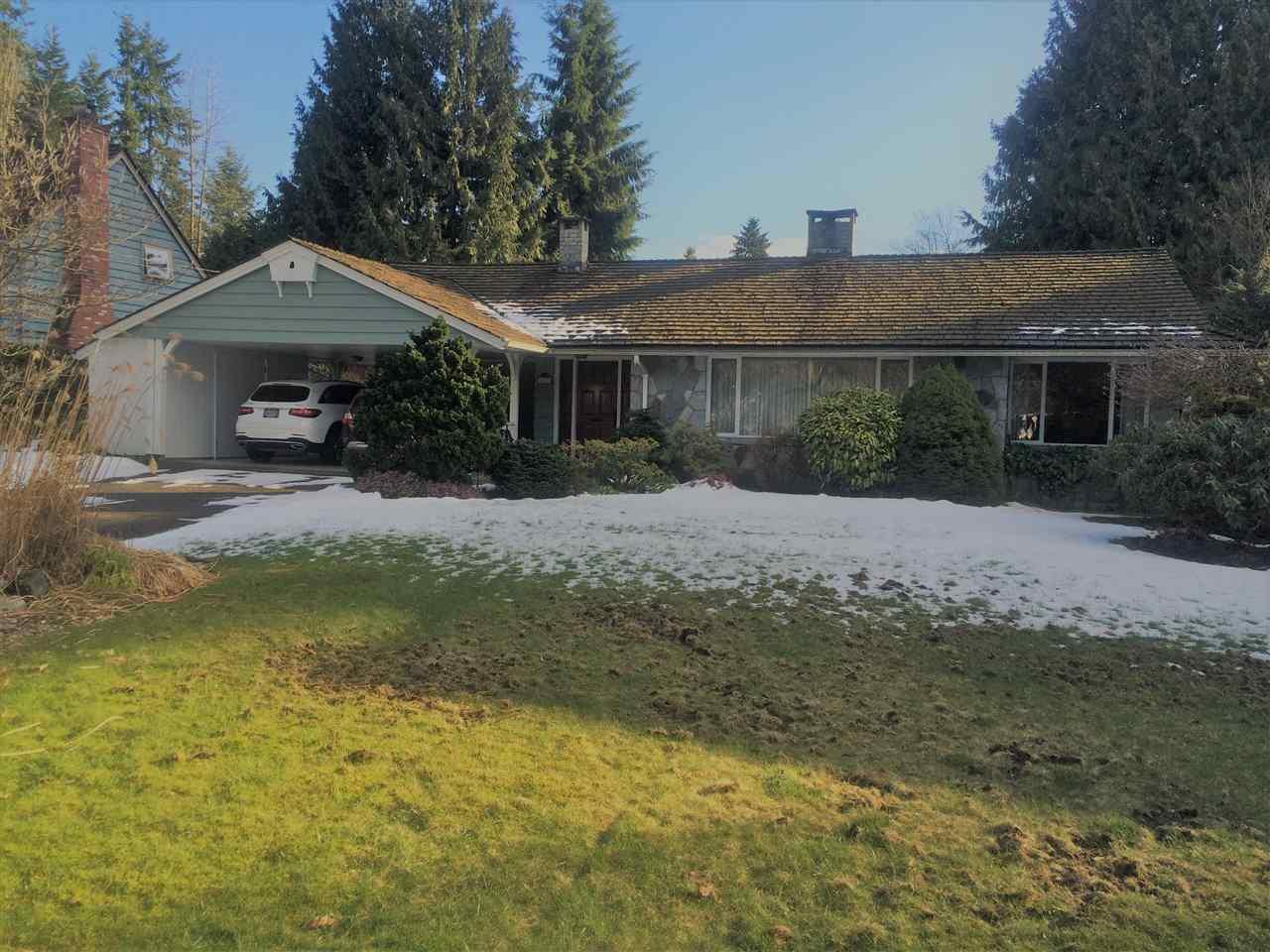 """Main Photo: 470 GORDON Avenue in West Vancouver: Cedardale House for sale in """"Cedardale"""" : MLS®# R2244893"""