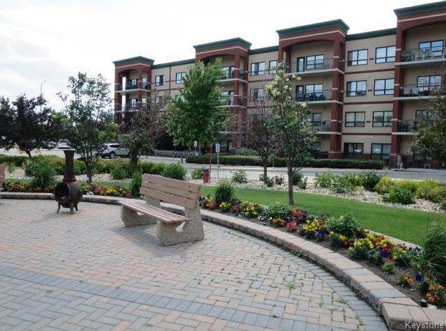 Aspen Meadows Luxury Condos - Concrete & Steel Building