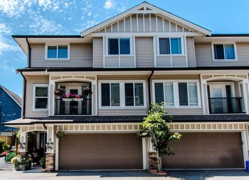 Main Photo: 4 27234 30 Avenue in Langley: Aldergrove Langley Townhouse for sale : MLS®# R2290786