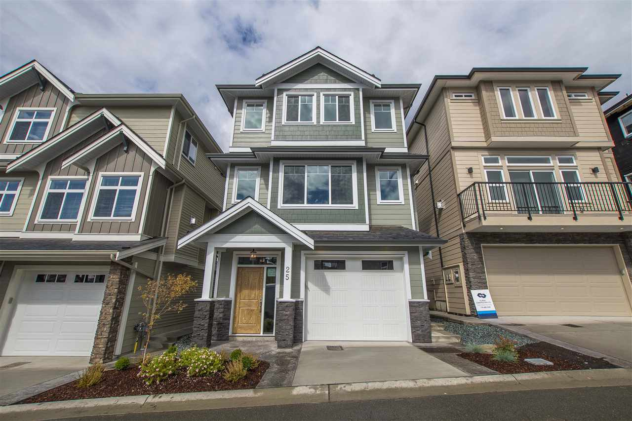 """Main Photo: 25 4295 OLD CLAYBURN Road in Abbotsford: Abbotsford East House for sale in """"SUNSPRING ESTATES"""" : MLS®# R2303452"""