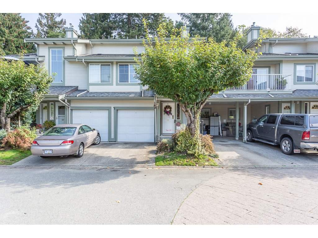 "Main Photo: 27 8892 208 Street in Langley: Walnut Grove Townhouse for sale in ""Hunter's Run"" : MLS®# R2309872"