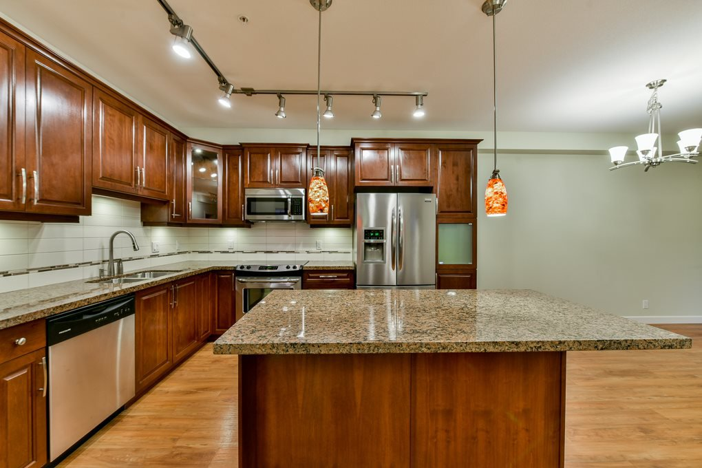 """Photo 3: Photos: 237 8288 207A Street in Langley: Willoughby Heights Condo for sale in """"YORKSON CREED WALNUT RIDGE 2"""" : MLS®# R2321230"""