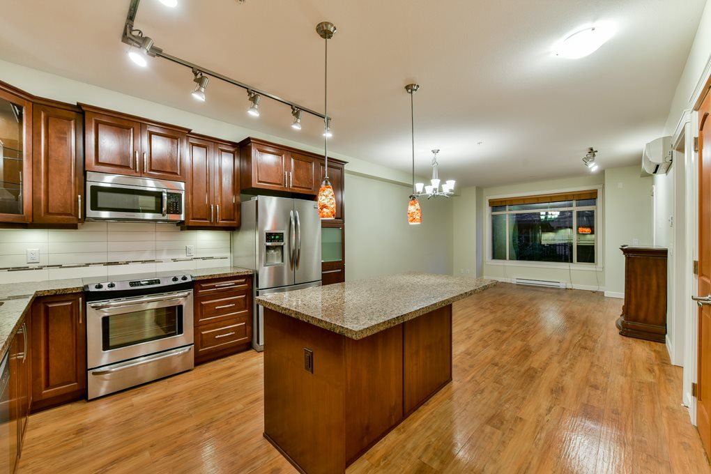 """Photo 2: Photos: 237 8288 207A Street in Langley: Willoughby Heights Condo for sale in """"YORKSON CREED WALNUT RIDGE 2"""" : MLS®# R2321230"""