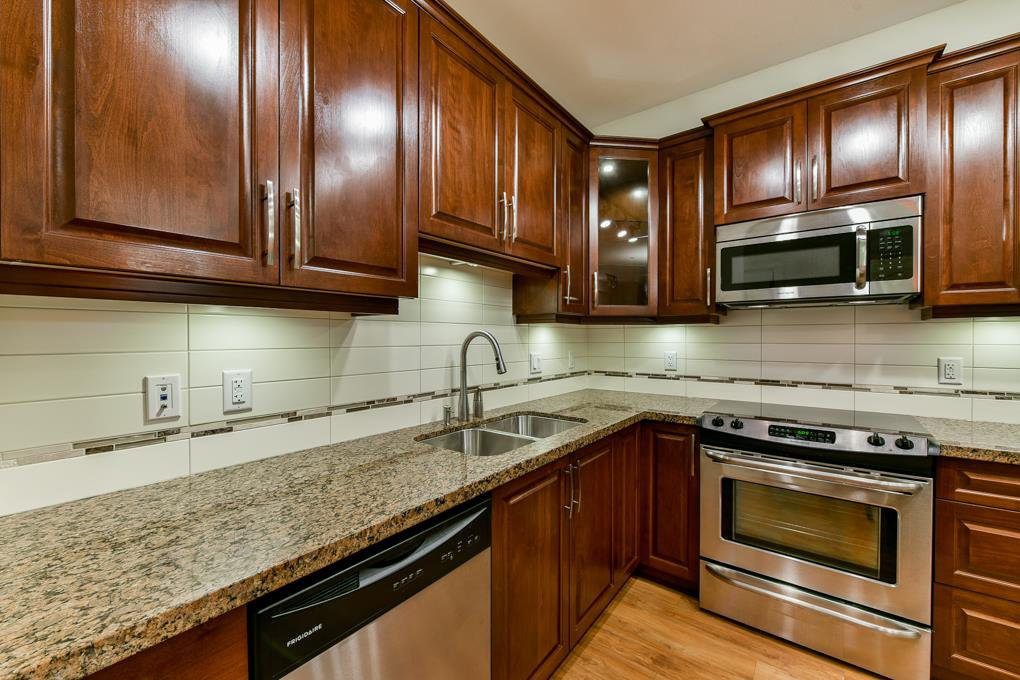 """Photo 15: Photos: 237 8288 207A Street in Langley: Willoughby Heights Condo for sale in """"YORKSON CREED WALNUT RIDGE 2"""" : MLS®# R2321230"""