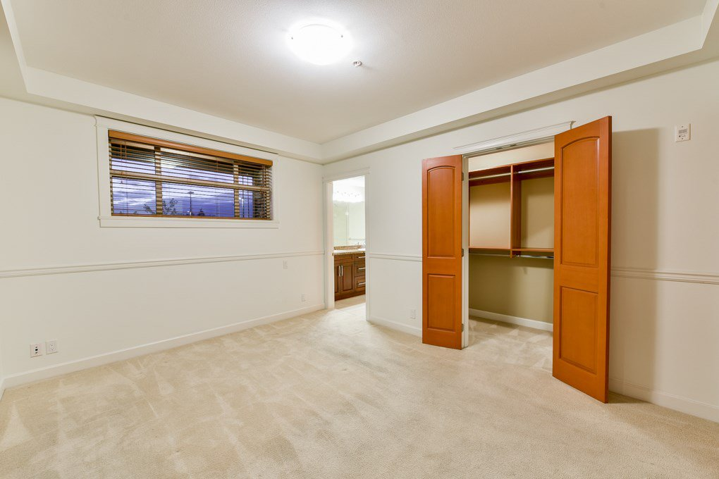 """Photo 6: Photos: 237 8288 207A Street in Langley: Willoughby Heights Condo for sale in """"YORKSON CREED WALNUT RIDGE 2"""" : MLS®# R2321230"""