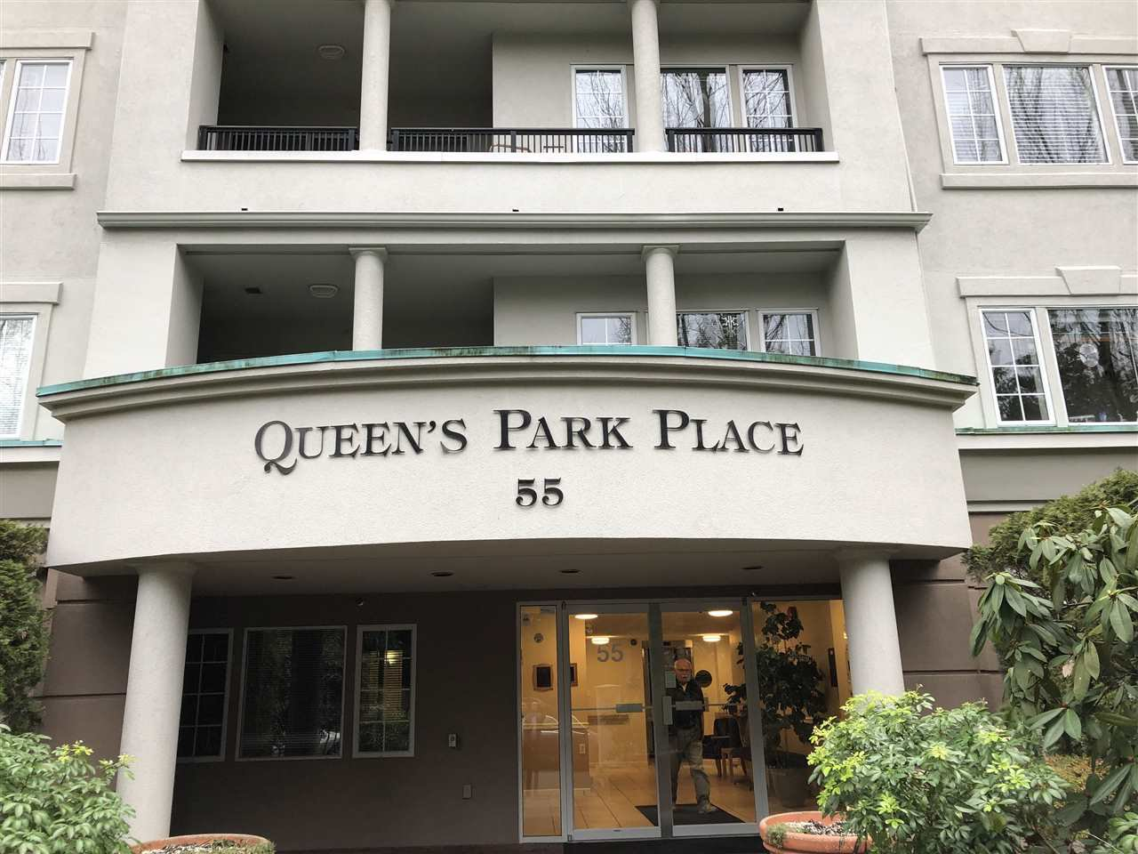 """Main Photo: 211 55 BLACKBERRY Drive in New Westminster: Fraserview NW Condo for sale in """"Queens Park Place"""" : MLS®# R2332695"""