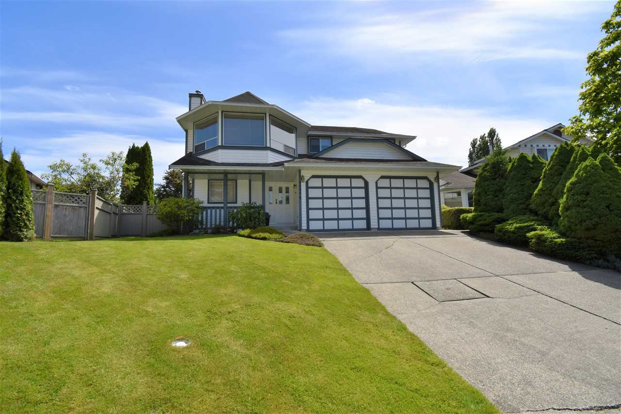 Main Photo: 23354 123RD Place in Maple Ridge: East Central House for sale : MLS®# R2377399