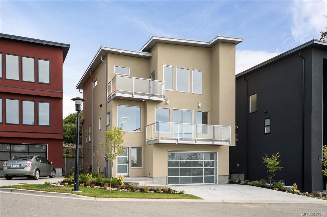 Main Photo: 113 539 Delora Dr in Colwood: Co Royal Bay Row/Townhouse for sale : MLS®# 842858