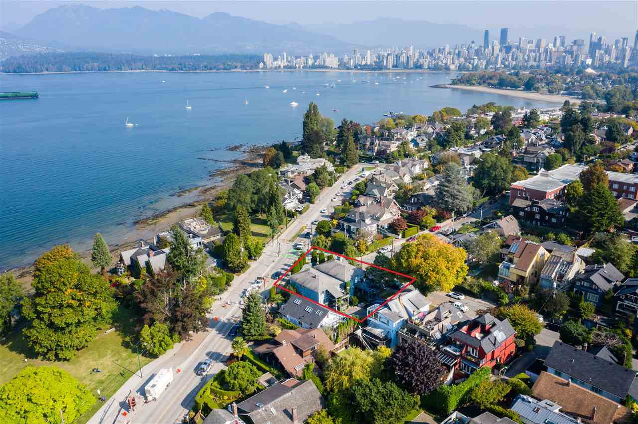 Main Photo: 2710 POINT GREY Road in Vancouver: Kitsilano House for sale (Vancouver West)  : MLS®# R2505371