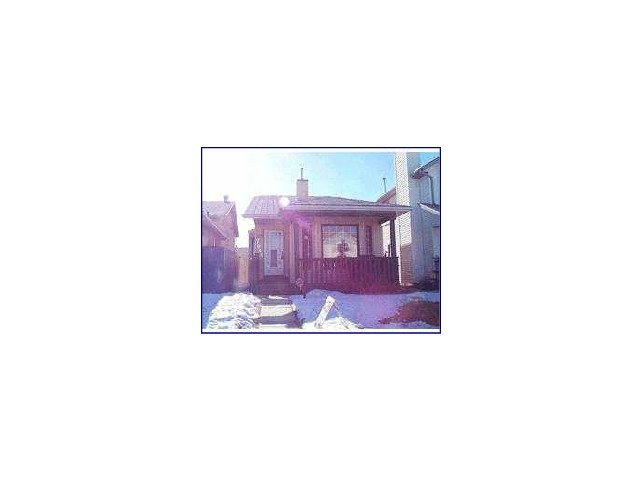 Main Photo: 7049 LAGUNA Way NE in CALGARY: Monterey Park Residential Detached Single Family for sale (Calgary)  : MLS®# C3602497